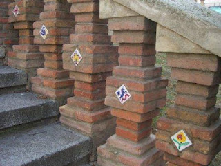 The brick and ceramic tile staircase leading up to Teruel.