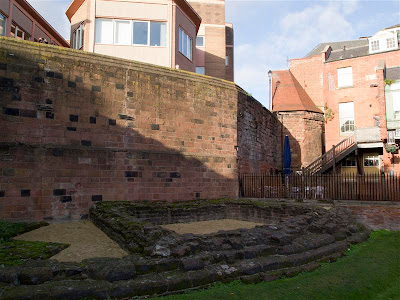 Restos de una torre romana de la muralla de Chester