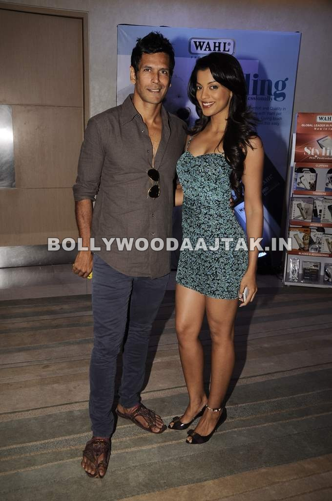 1 - Mugdha Godse & Milind Soman launched World's leading Grooming brand