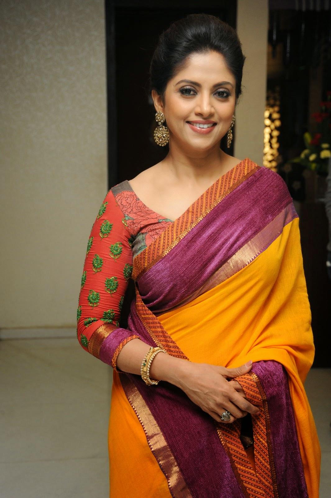 Nadhiya in Saree at Dr...