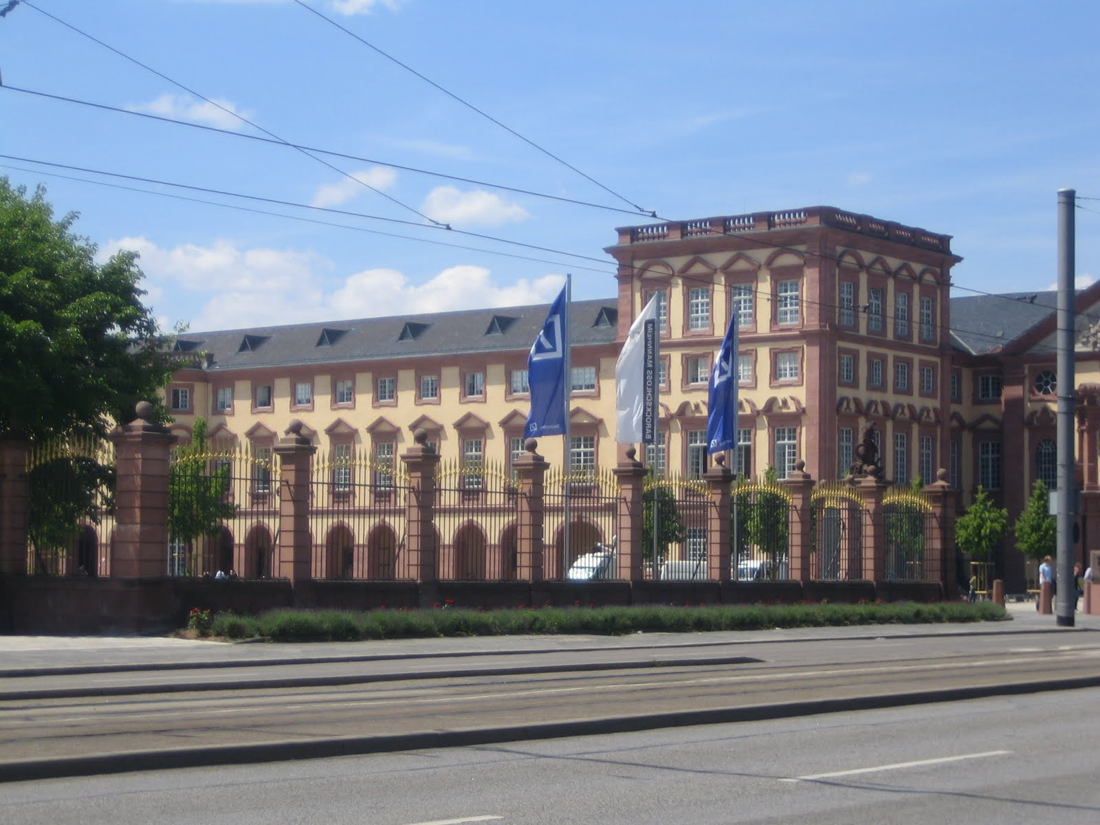 Kathrin arranges for me to live in a nice apartment in mannheim see