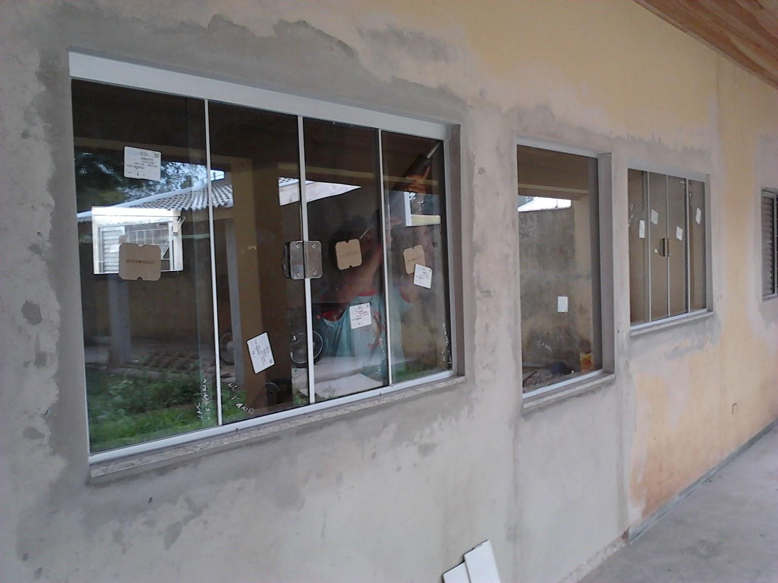 #624B40 sábado 14 de julho de 2012 286 Janelas De Vidro Sanfonadas