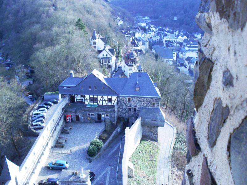Burg Altena - Blick auf die Jugendherberge