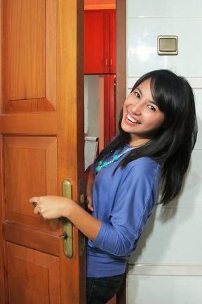 Foto Sisca Husein Pembawa Berita Cantik