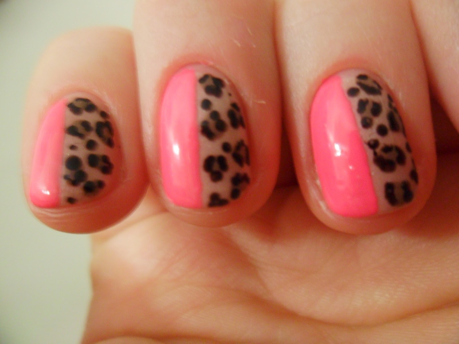 Nailsalicious- Small canvas, Big ideas: Pink Friday-Gel manicure