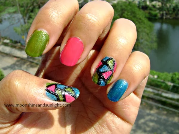 Tri color mosaic nail art
