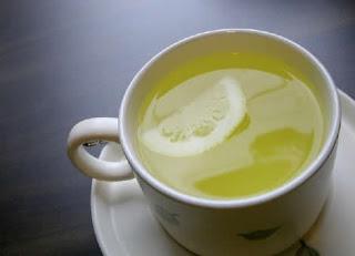 Rajin Minum Air Jeruk Nipis Hangat? Ini Manfaatnya!