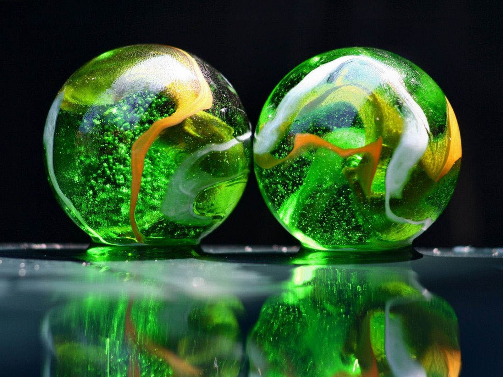 Glass Art Backgrounds - Wallpaper
