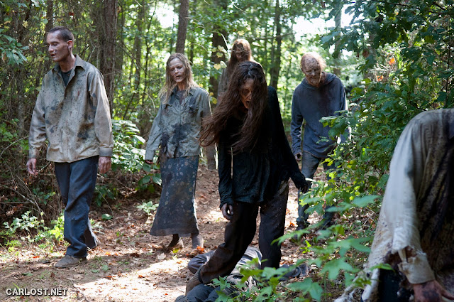 Walkers en The Walking Dead 4x10 Inmates