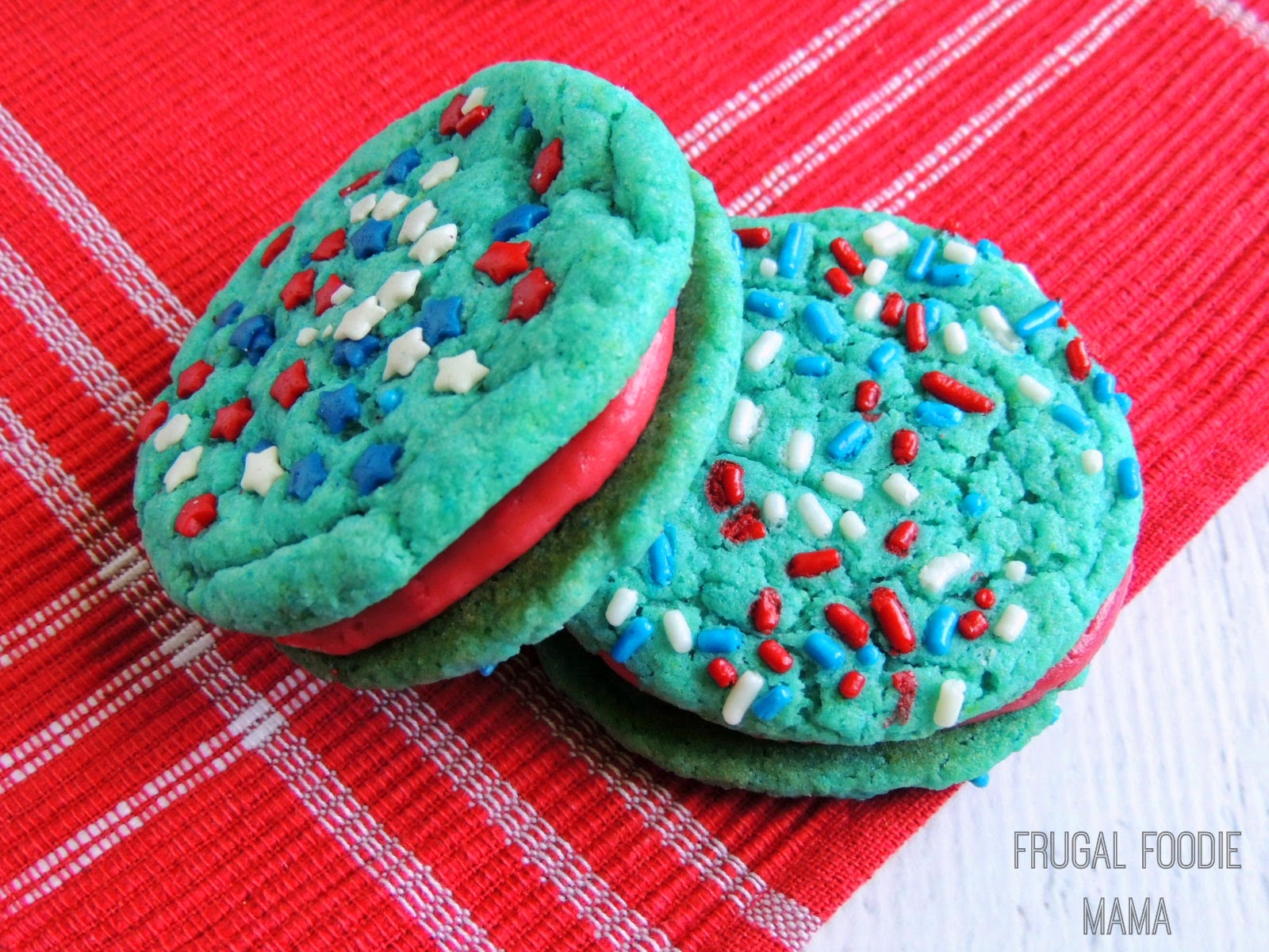 Blue Velvet & Raspberry Buttercream Cookiewiches via thefrugalfoodiemama.com #4thofJuly