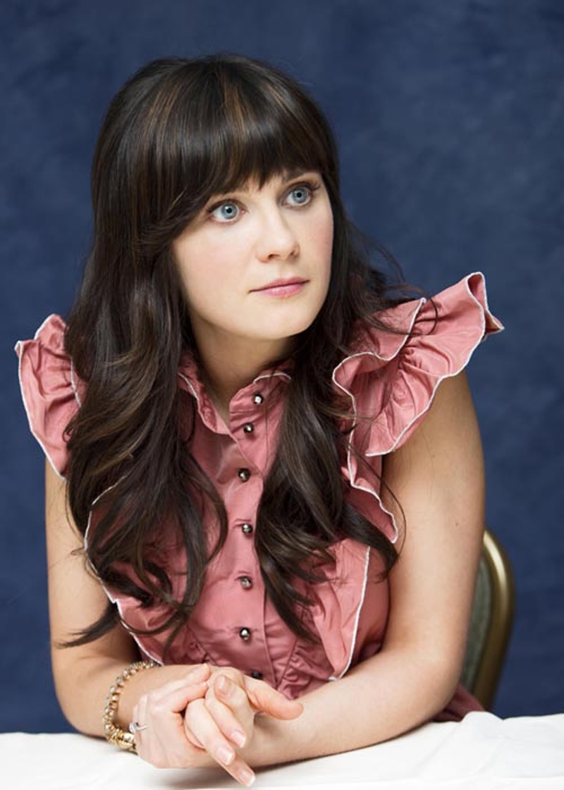 Fresh Look Celebrity Zooey Deschanel Hairstyles 15