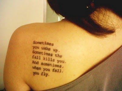 letras_tatuagem_escrita_ombro
