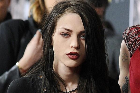 5 Putri Legenda Rock Paling Cantik Nan Mempesona - Wow