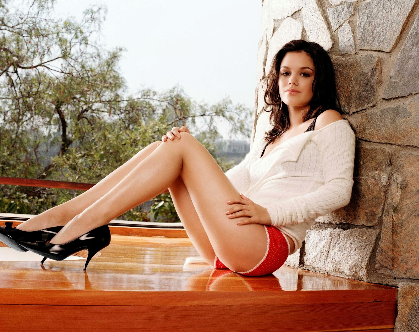 From Our Archives Sexy Rachel Bilson on wood couch legs
