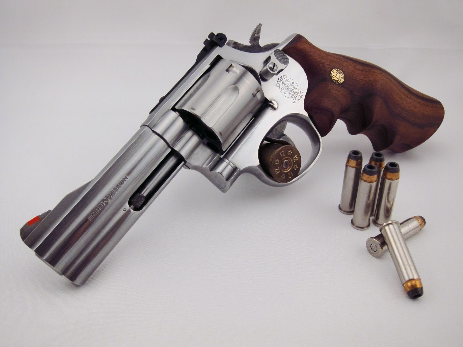 Red Crow Gear: S&W 686 Round Butt, Stainless Steel Mountain Gun
