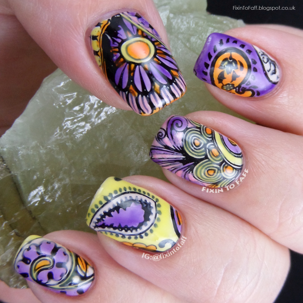 Leadlight stamped paisley pattern nail art.
