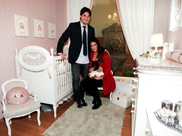 Natália Guimarães e Leandro escolhem quarto das gêmeas
