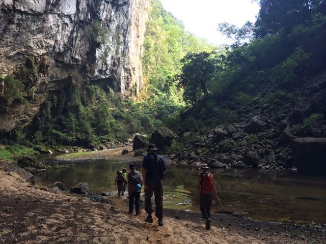 trekking Son Doong 1