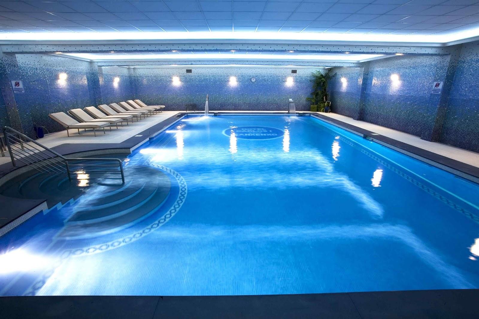 Las mejores piscinas del mundo la naturaleza nos sorprende for Piscina climatizada benidorm