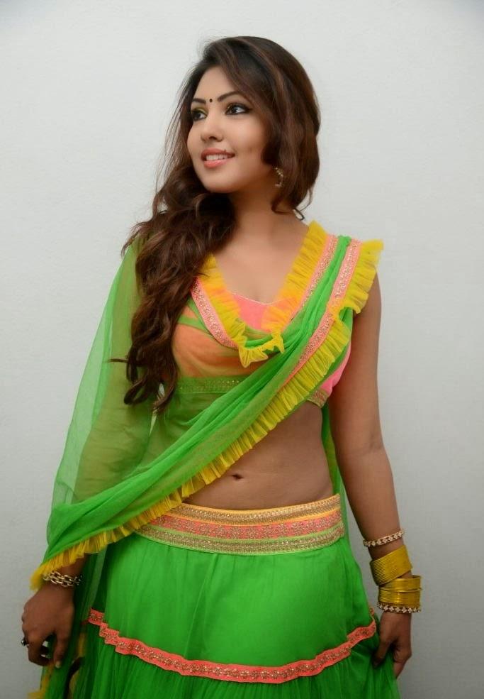 nisha yadav hot cleavage and navel photos 5 actress galaxy new fashions