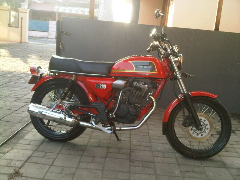 Tiger 98 yang di Modifikasi title=