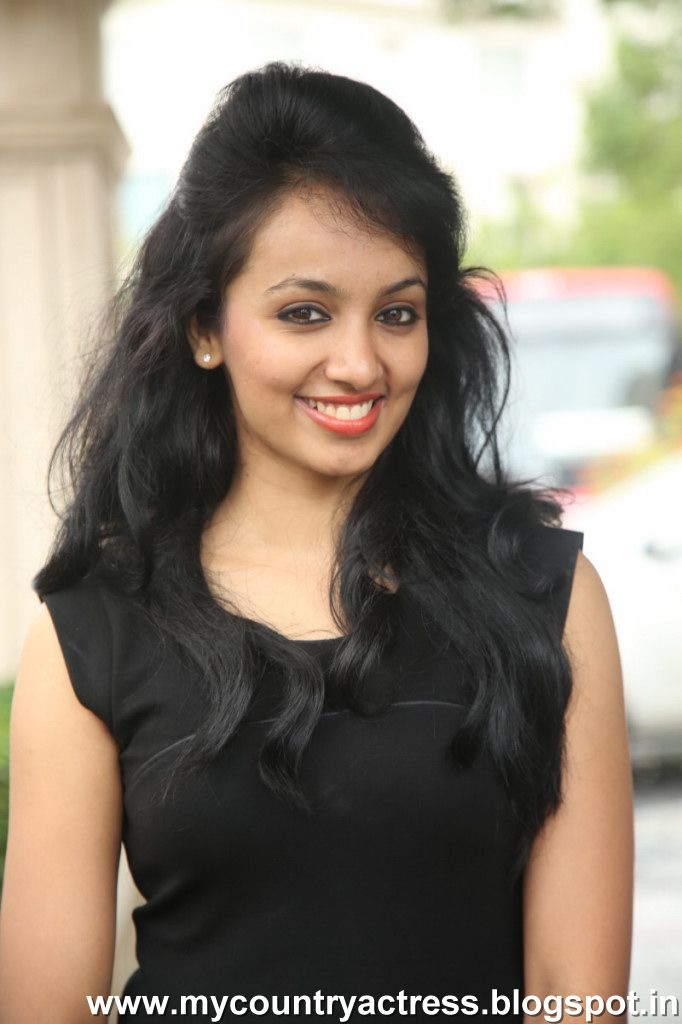 my country actress svsc fame tejaswi latest stills