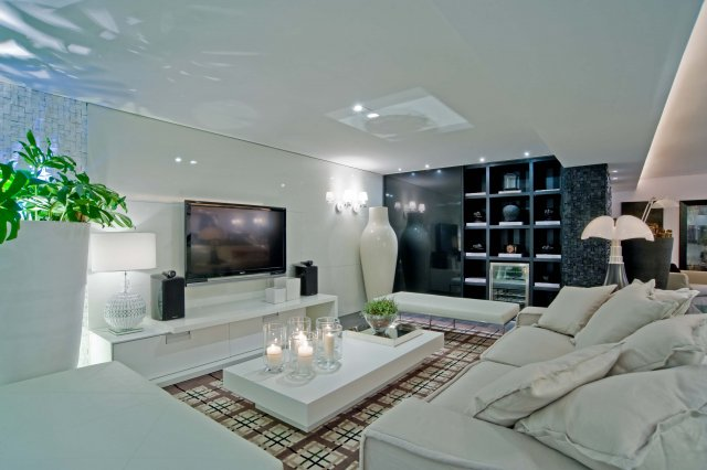 A sala de estar x home theater papo de design for Salas para casas chicas