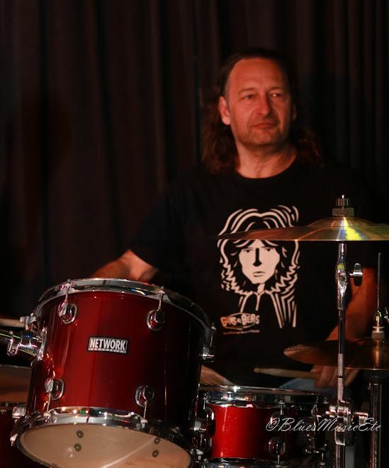 Bob drummer man