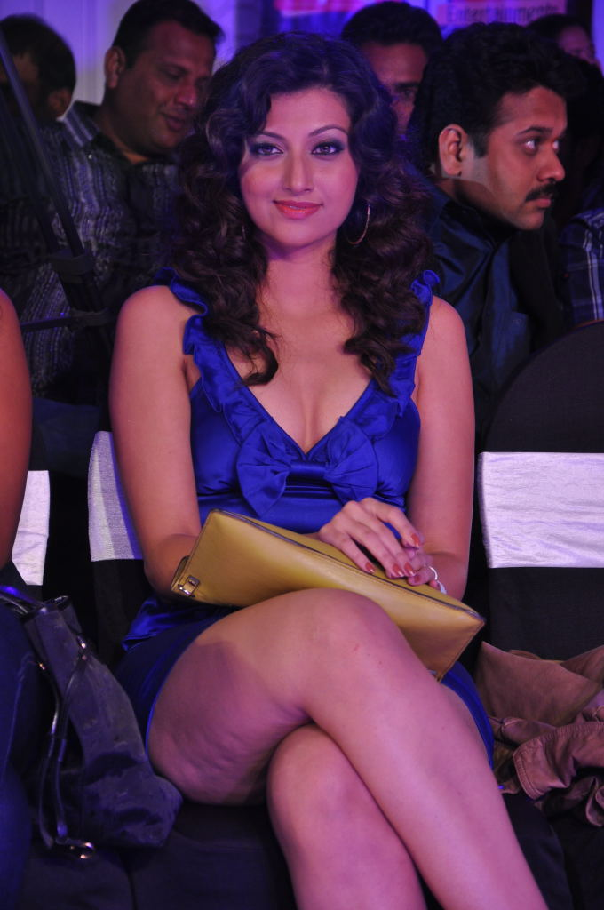 Actresss Hamsa Nandini in Shining Blue Short Skirt