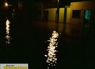 Rua Franco Magalhães ao lado da escola CEMAH. Foto: Walter Lima