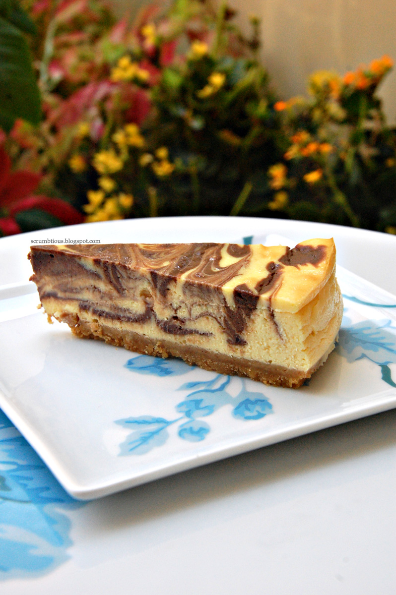 chocolate marble cheesecake | scrumbtious