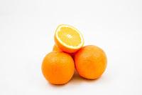 femmes désespérées qui ne savent plus quoi faire de leur peau d'orange.