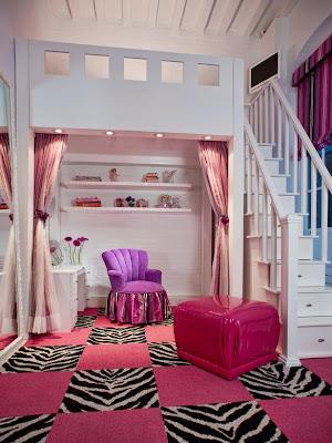 Mezzanine em quarto de menina