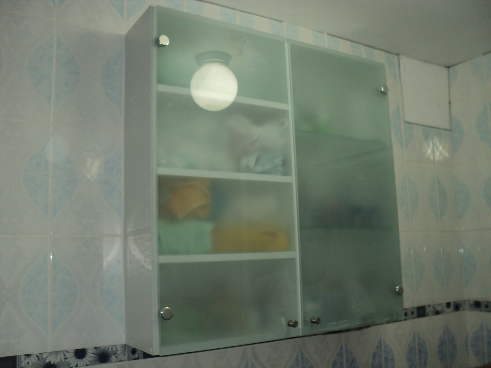 Proyectos Integrales  Muebles en melamina,aluminio y vidrio VIDRIO