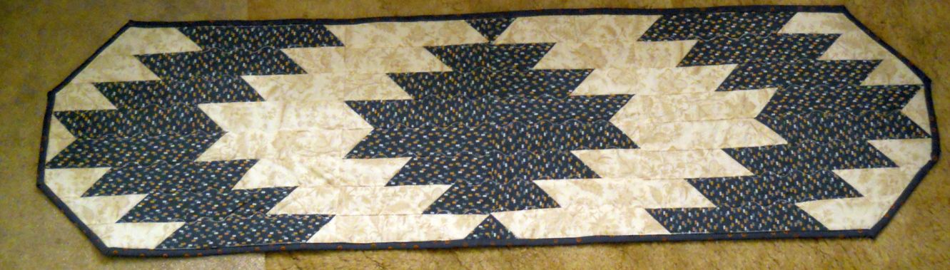 Scrapbox Quilts: February is Delectable Mountains Month- Table Runners : delectable mountain quilt - Adamdwight.com