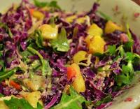Salada de Repolho Roxo e Abacaxi (vegana)