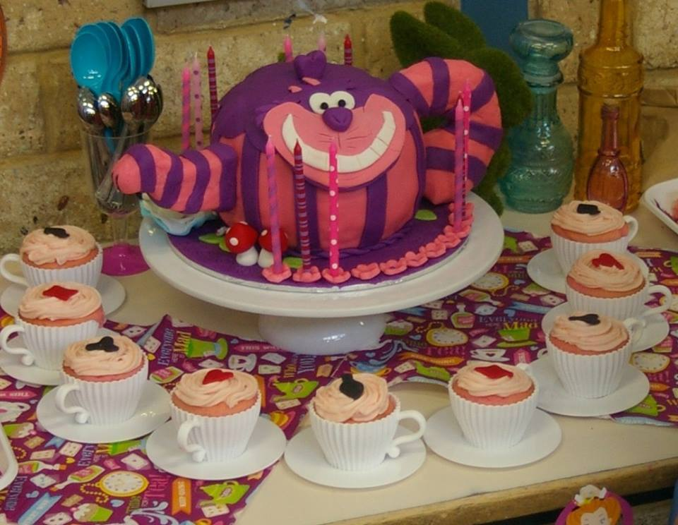 Alice In Wonderland Cake Cheshire Cat teapot cake  with 'cup' cakes By Andy Cat