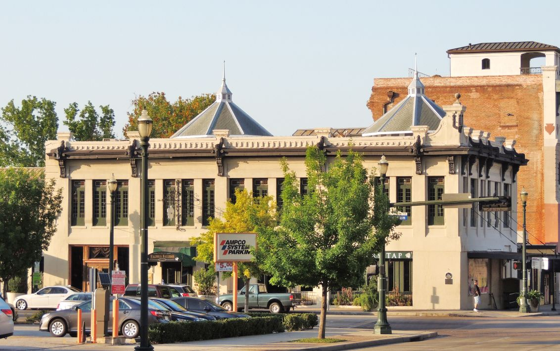 Magnificent Magnolia Ballroom Event Venue In Historic