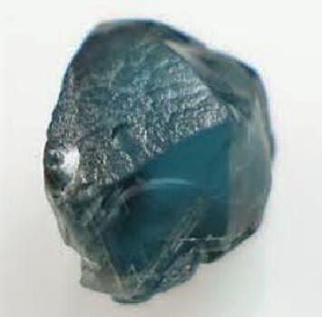 batu garnet warna biru