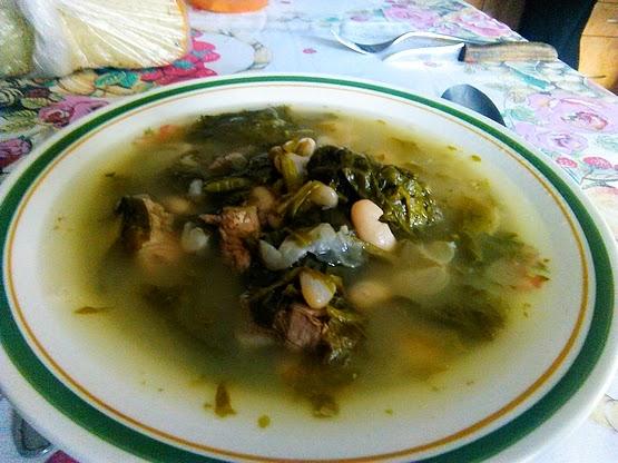 Salátás fuszulyka leves