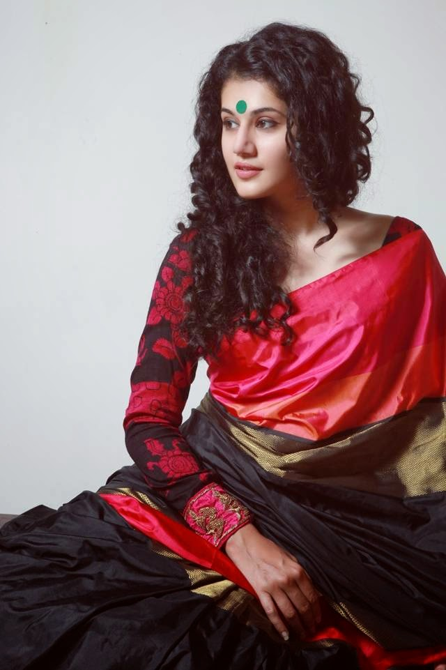 Taapsee Pannu Saree Photoshoot