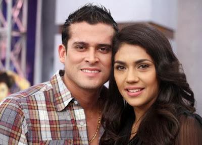 Rostro de Vania Bludau junto a Christian Domínguez