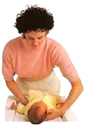 رفع طفلتك وحملها (2)