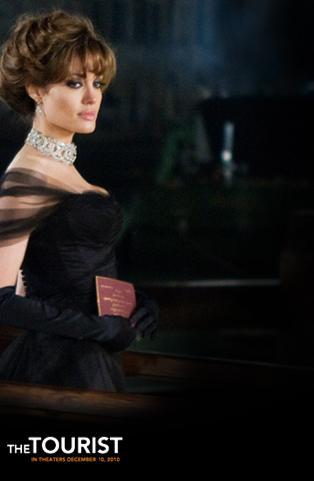 angelina jolie hair tourist. Jolie looks absolutely