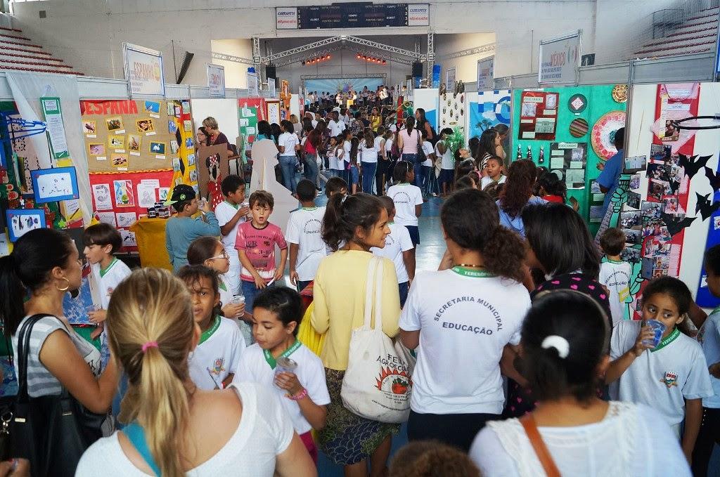 Além dos alunos e professores, as famílias teresopolitanas tem prestigiado o evento da Secretaria de Educação