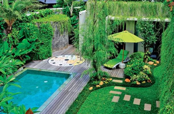 gambar desain kolam tropis rumah minimalis terbaru