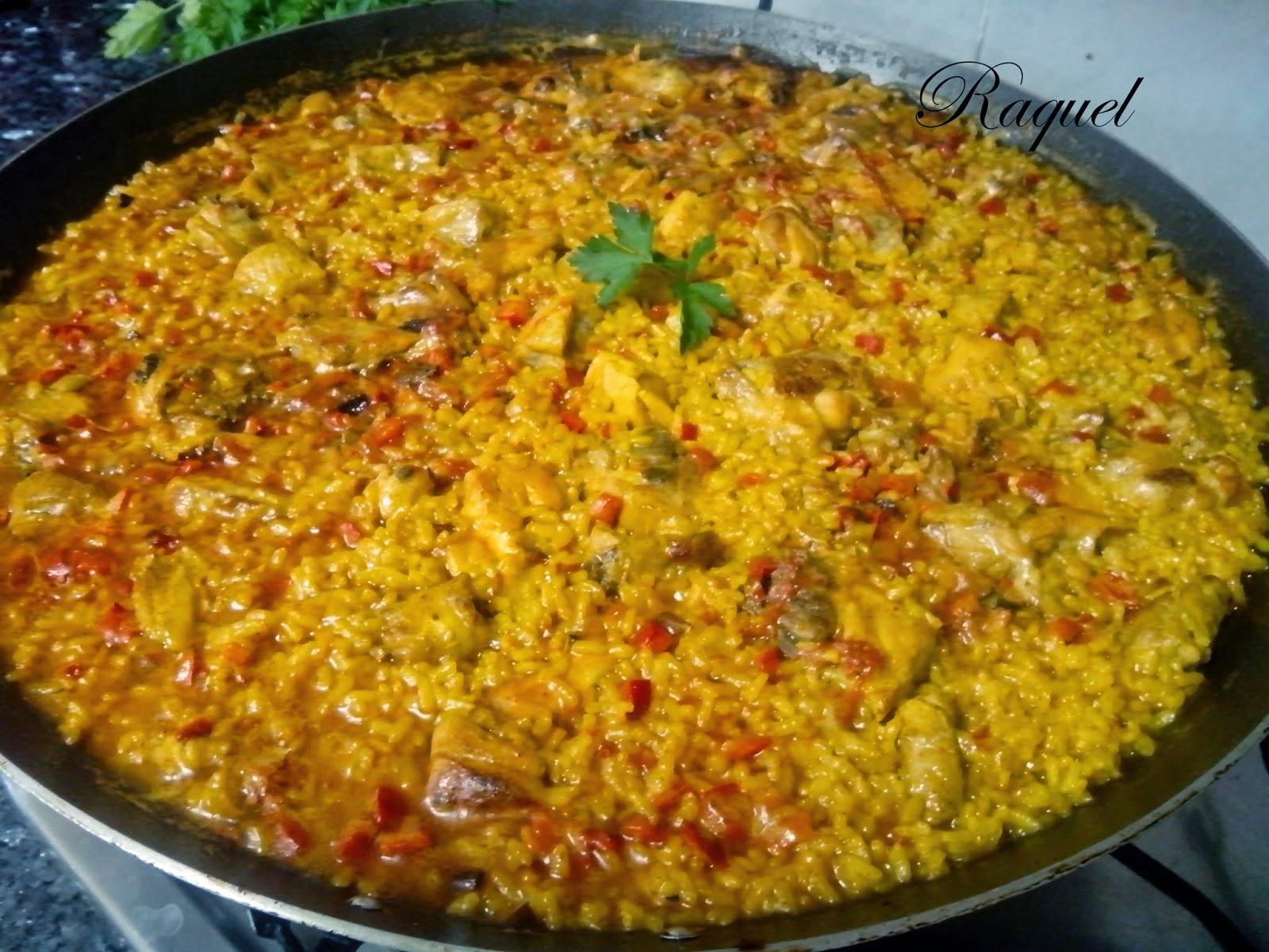 Paella De Pollo Y Costilla