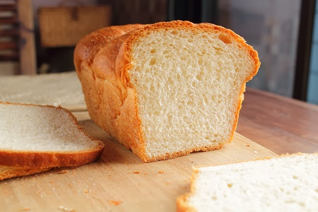 Squishy White Bread : Incredibly soft and light White Bread Baking YummiesBakingyummies - Recipes and Resources for ...