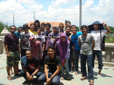 Melihat Pemandangan Semarang dari Balkon Lawang Sewu