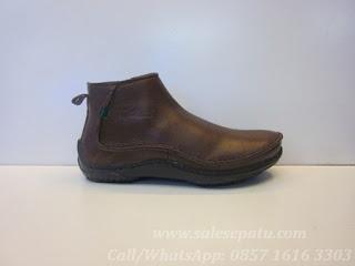 harga sepatu kickers coklat, Kickers Boots kulit coklat